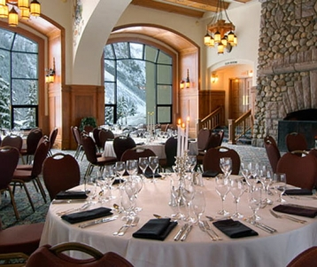 Fairmont Chateau Lake Louise Honeymoons